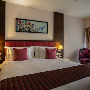 King bed Pink Floor(ExecSuperior)